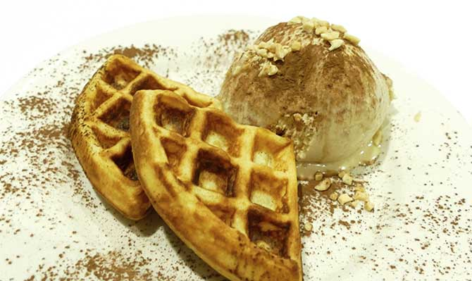 peanut icecream and waffles